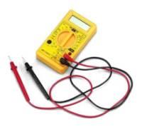 Tester Digitale per verificare eventuali corto-circuiti sul connettore